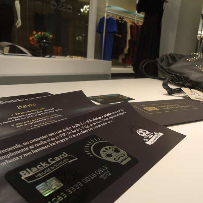 Caprichos-VIP-que-no-se-pagan-Marketing-Directo-Black-Cards-para-Heilige-Sunder_c